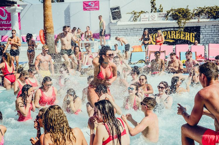 Kavos_Pool_Party